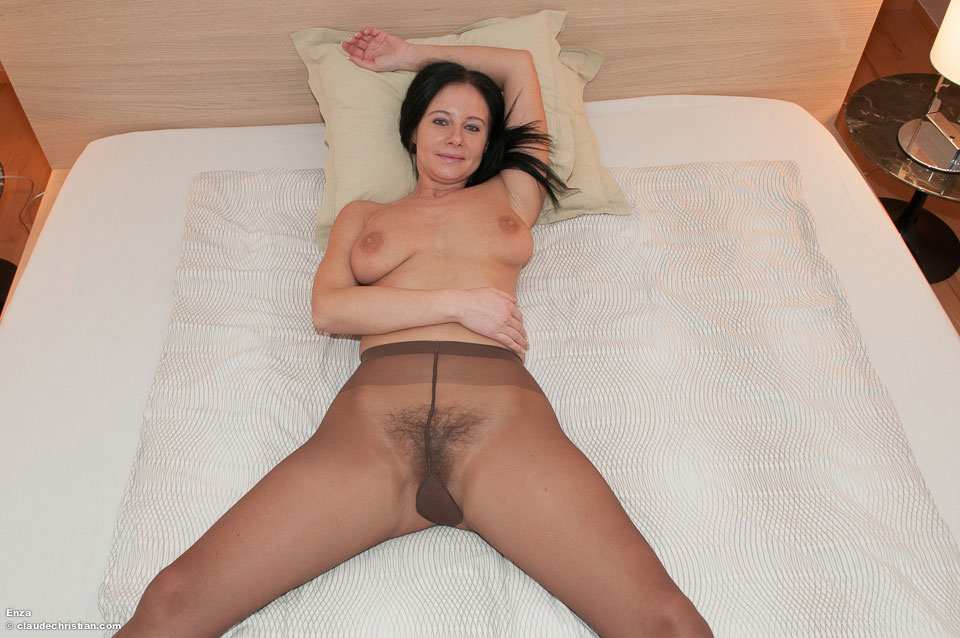 Hairy women in pantyhose
