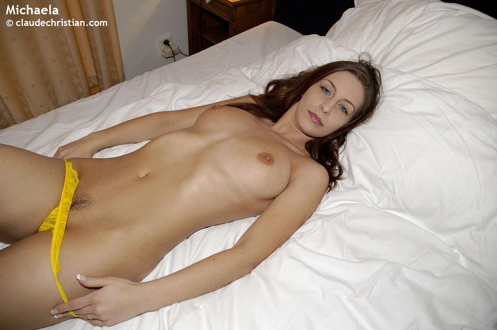 Porn tube Carrie bradshaw upskirt