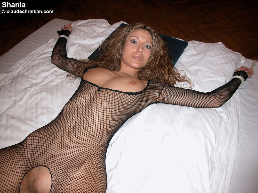 woman in sexy cloth pic